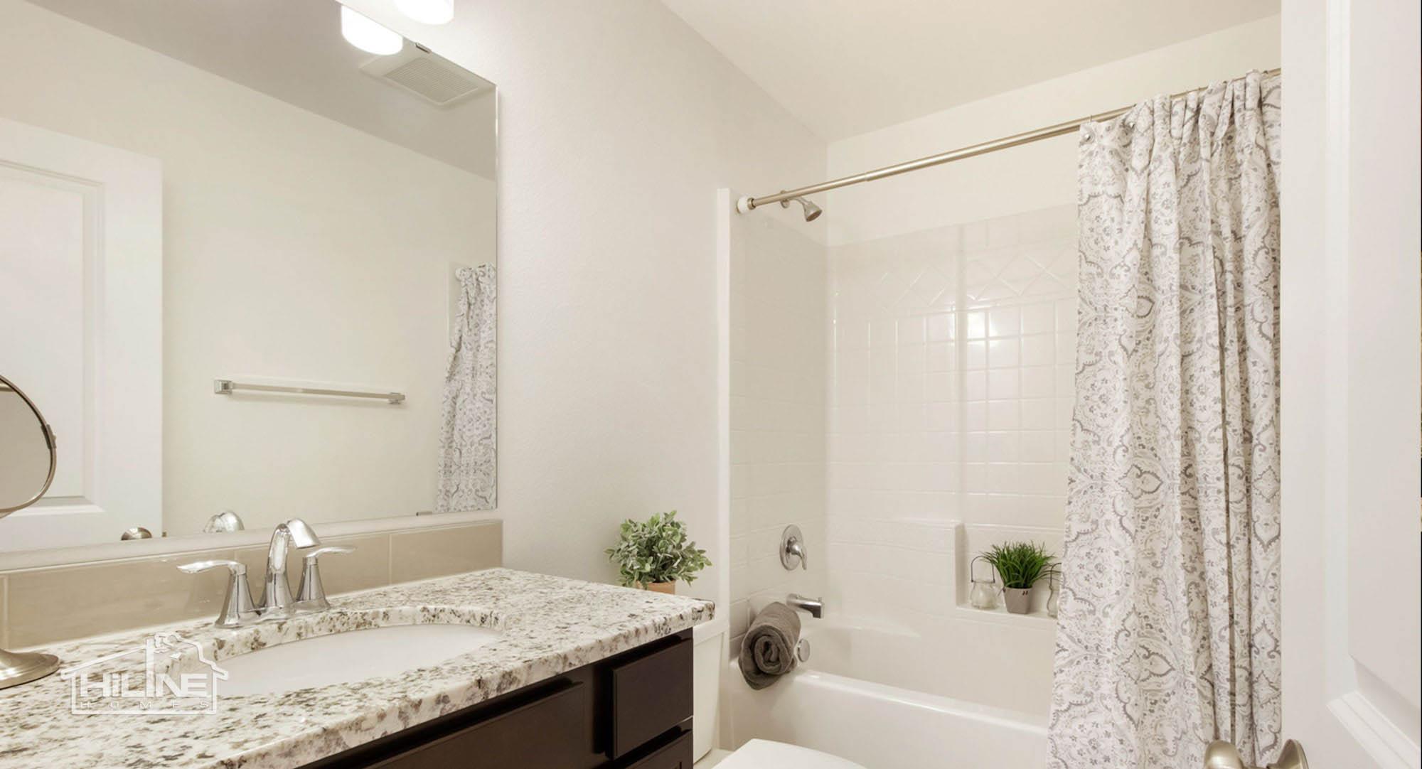 HiLine Home Plan 1491 Guest Bathroom