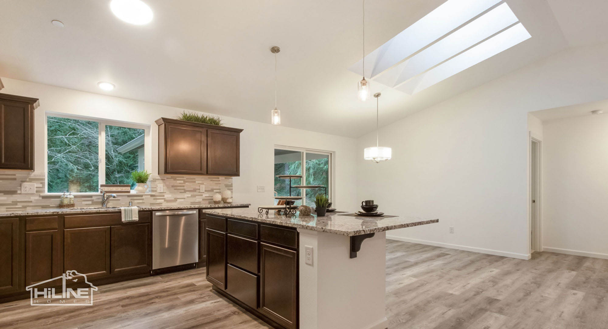 HiLine Home Plan 1491 Kitchen to Dining