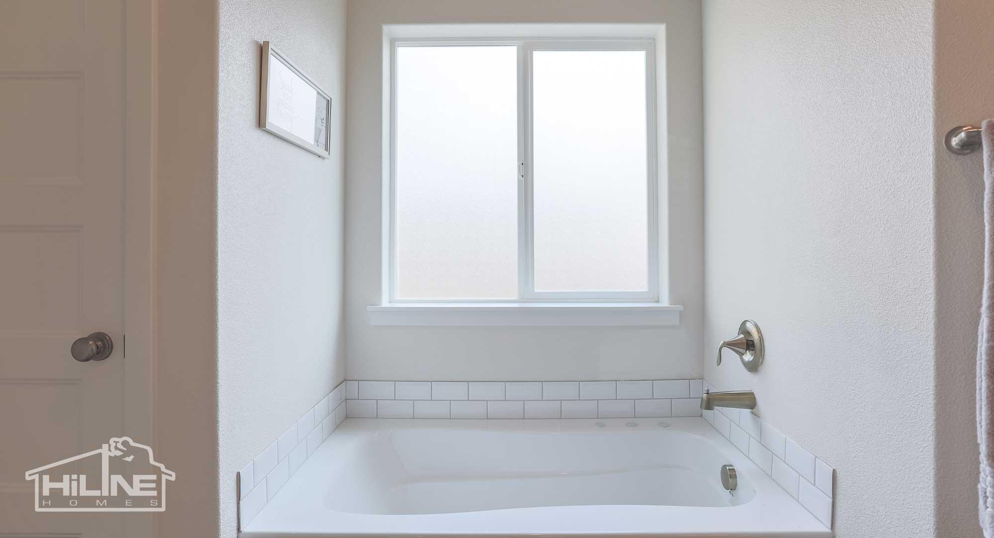 Image of HiLine Homes of Meridian Bath Tub