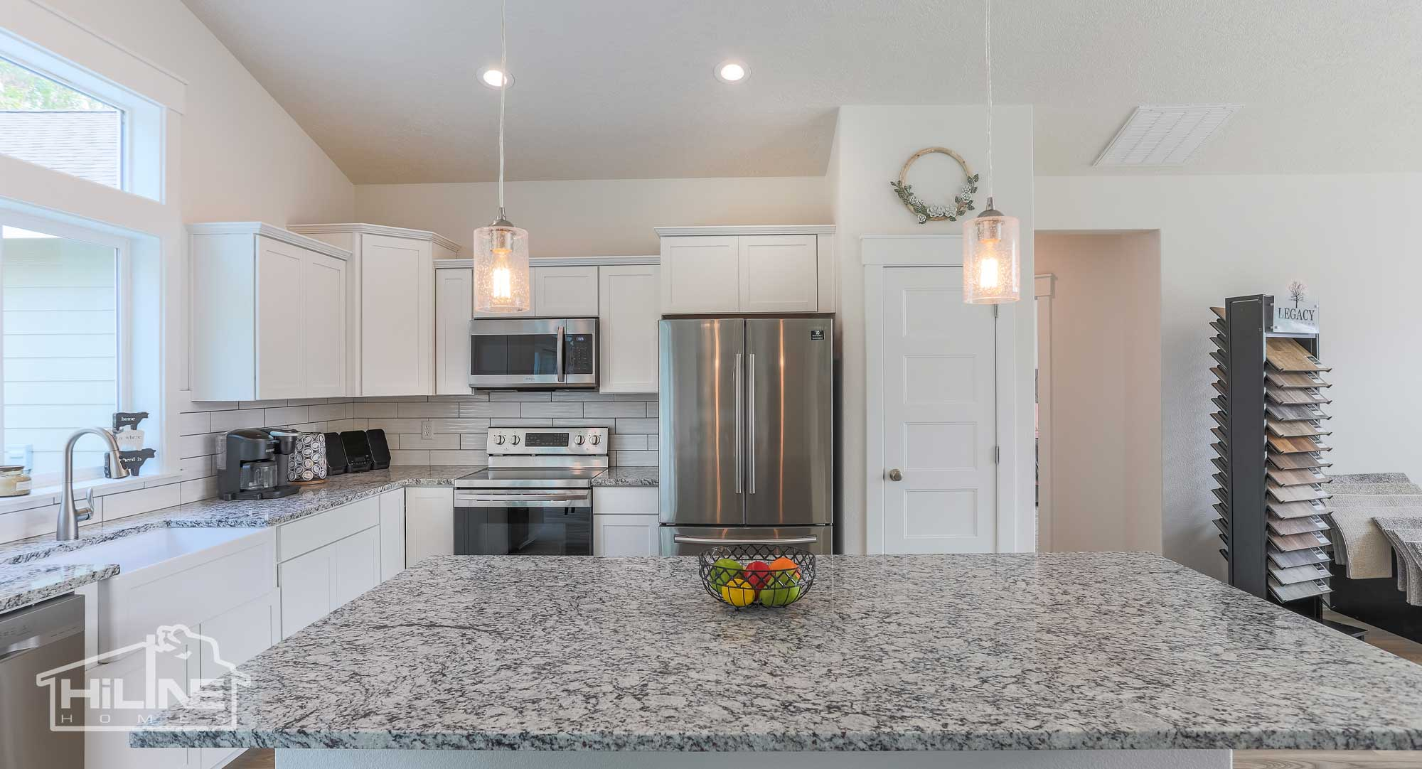 Image of HiLine Homes of Meridian Kitchen